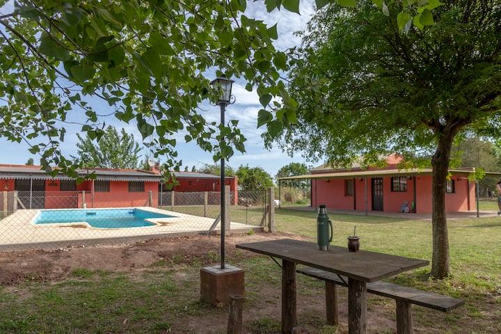 SA de Areco- Casa de campo 4 dorm 2 bñ / Piscina