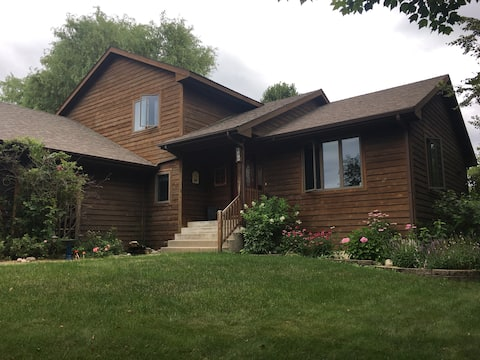 Large family home, stretch out and enjoy!
