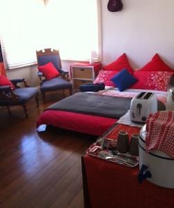 B&B Character beach home, 300mt bea - South Bunbury - Bed & Breakfast