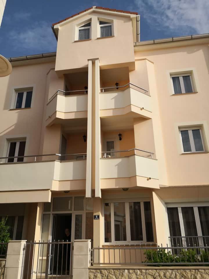 NOVALJA Apartement City center 2R
