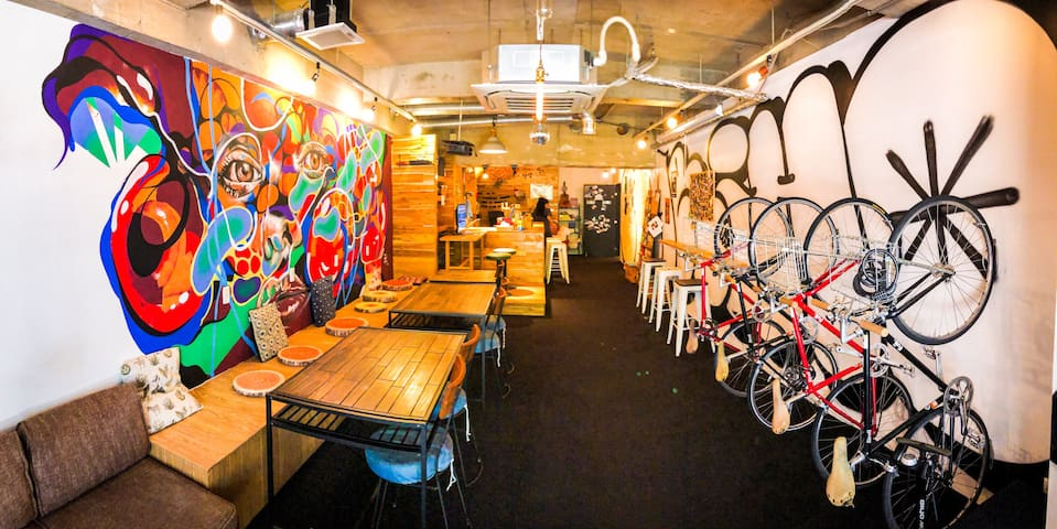 """Bike & Bed"" CharinCo HOSTEL OSAKA #1"