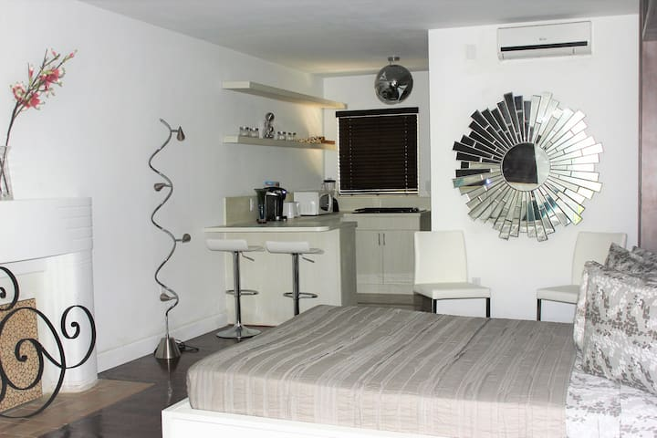 Bay Studio Apartment