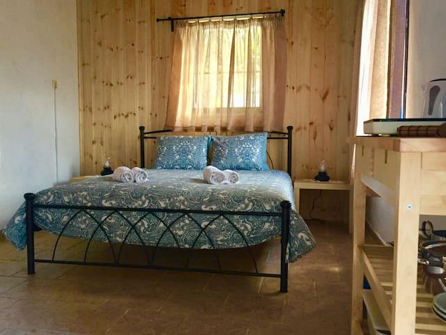 160cm queen bed