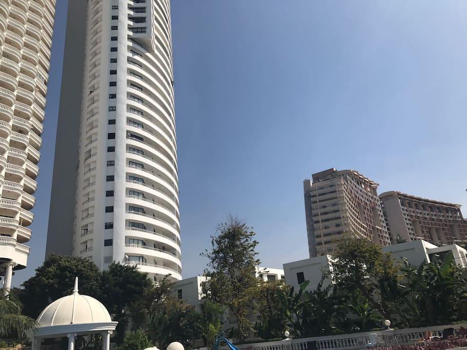 Отель Гранд Центара рядом