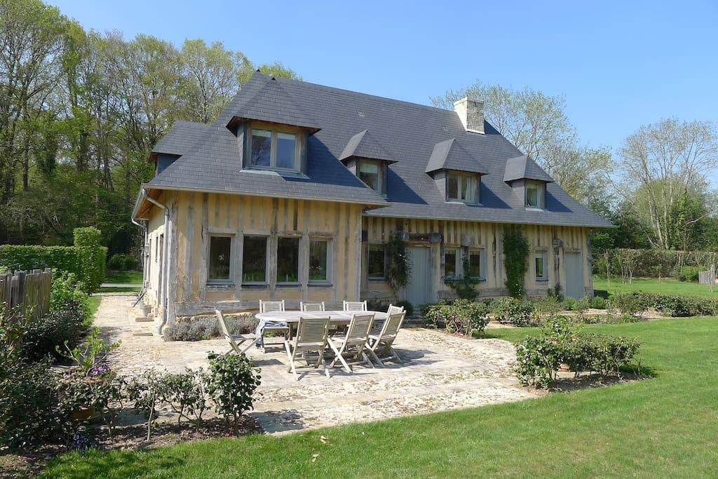 deauville pont l 39 eveque maison normande maisons louer saint hymer normandie france. Black Bedroom Furniture Sets. Home Design Ideas
