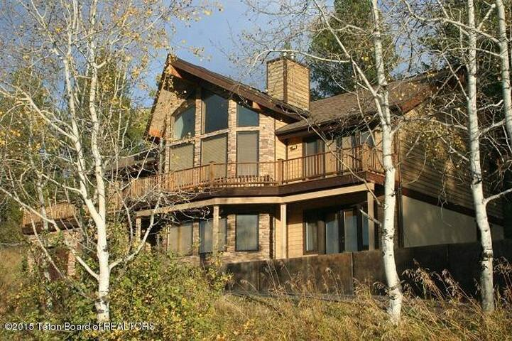 Sleeps 10-Mountain Views!  Fireplace! Snow Mobiles - Alpine - Casa