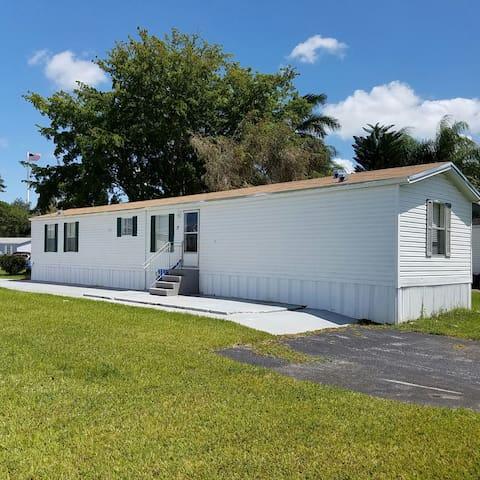 Mobile Home  (48km  40 Minuto) de Key Largo. - Homestead - House