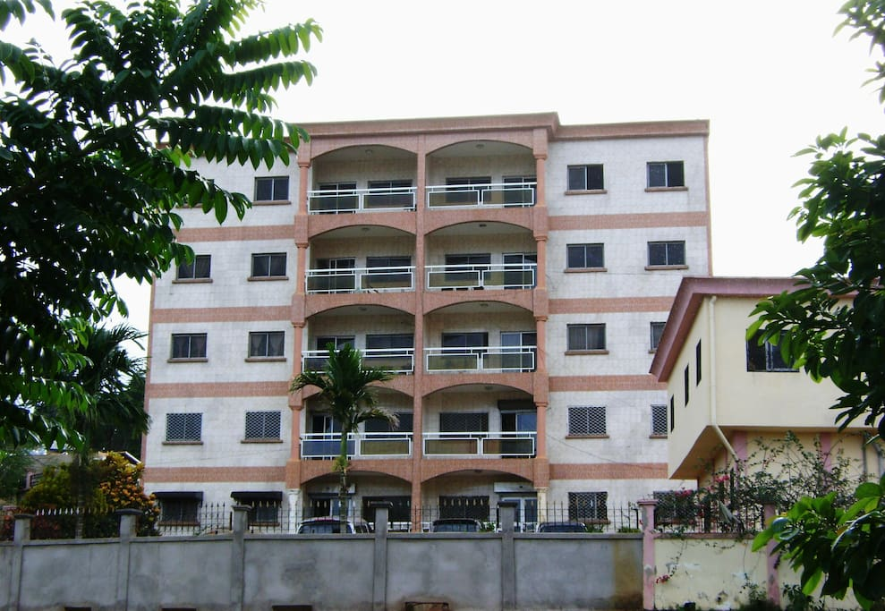 Appartement meubl flats for rent in yaounde central for Appartement meuble a yaounde