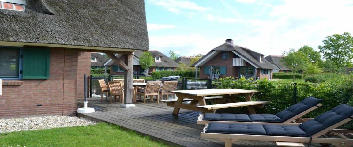 lovely villa near Giethoorn!