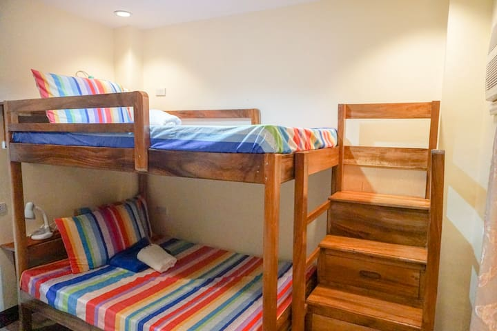 Big Bunk Bed in a shared Room, City Center 302-2
