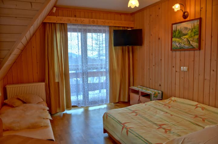 Pokój 4 os z balkonem w cichej okolicy Zakopanego