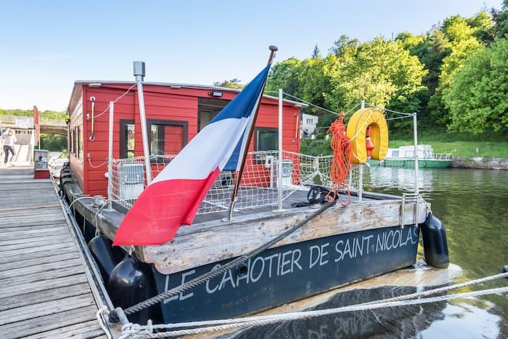 Bateau hébergement en coeur de Bretagne