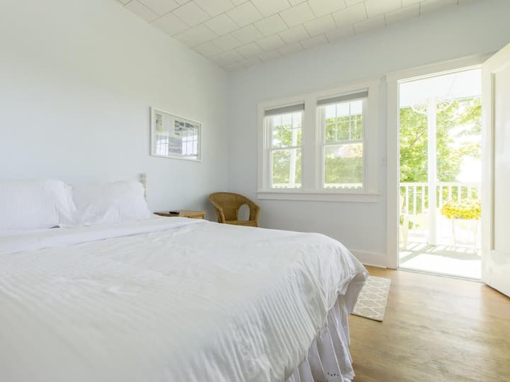 Beach House First Floor Suite