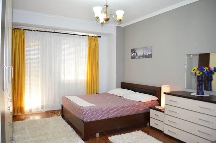 Belvedere Apartment - Spacious, Stylish & Central