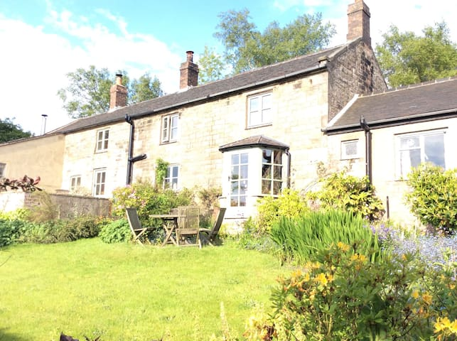 Double room, ensuite in farmhouse - Biddulph - Ev