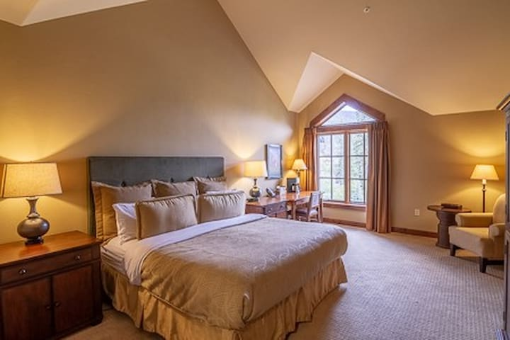Lodge King 412 | Tamarack Resort | Sleeps 2
