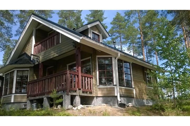 Nice big cottage next to a lake in Koli - Lieksa - Cabane