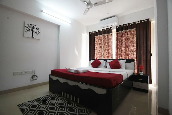 Pvt Room in 3BHK - Beautiful & Comfortable - Kurla