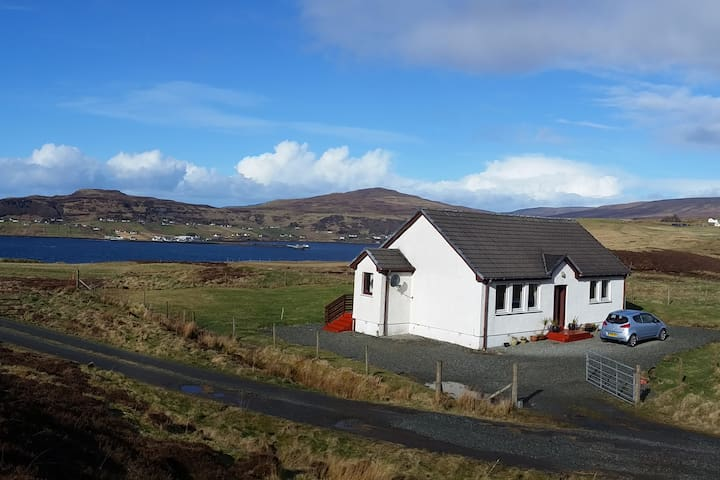 Lovely double room with stunning views at Uig Bay