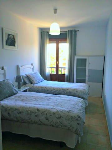 Bedroom 2 ( Segunda habitación)