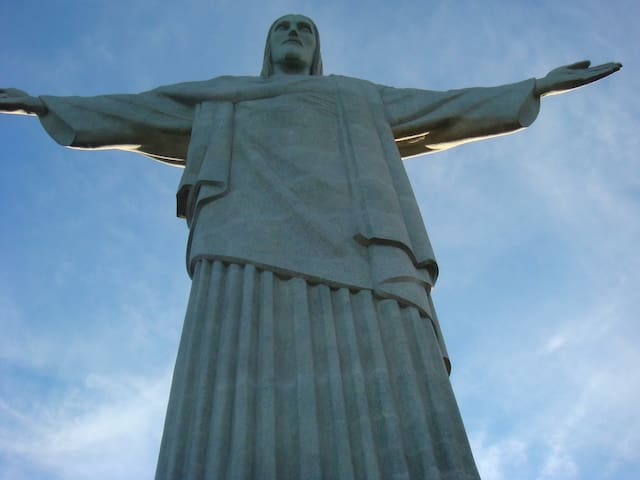 Room in the heart of Rio! Christ!