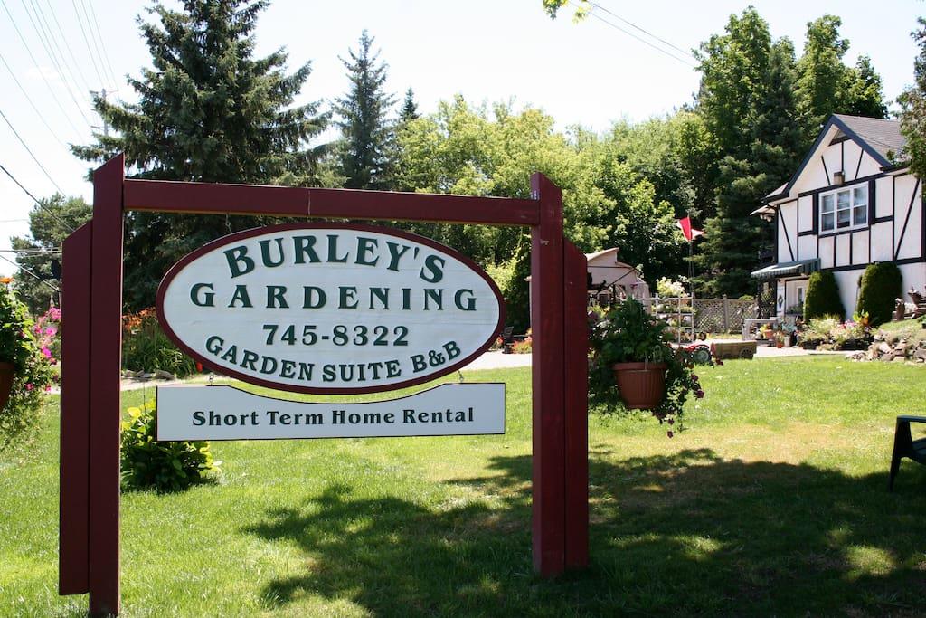 Burleys Garden And Two Bedroom Suite Apartments For Rent
