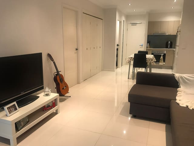 Lovely and cozy entire apartment near BSB city