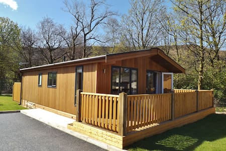Spa Lodge 1, Dovestone Holiday Park - Greenfield - Kabin