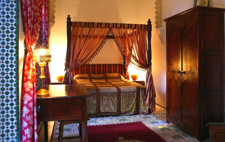 Private suite Rabat in a cosy Riad - Salé médina - Bed & Breakfast