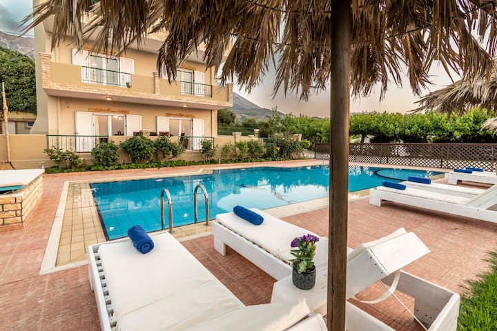 Annlexander Private Villa with Swimming Pool