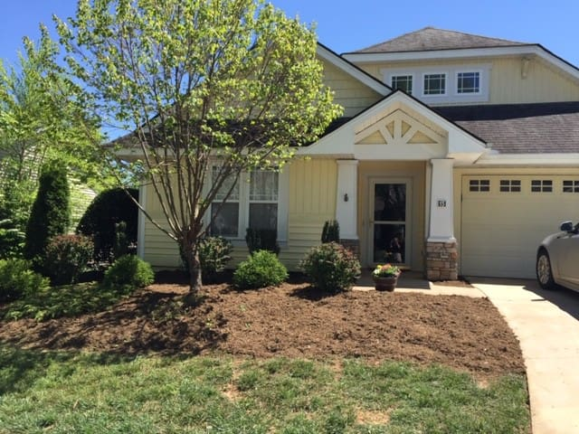 Stay in an adorable house near Asheville NC!
