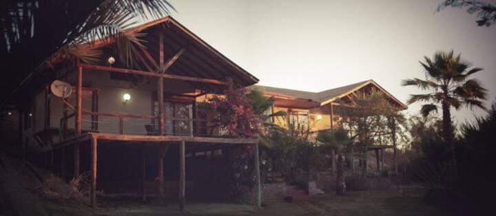 Hermosa y amplia casa  Lago Rapel con piscina