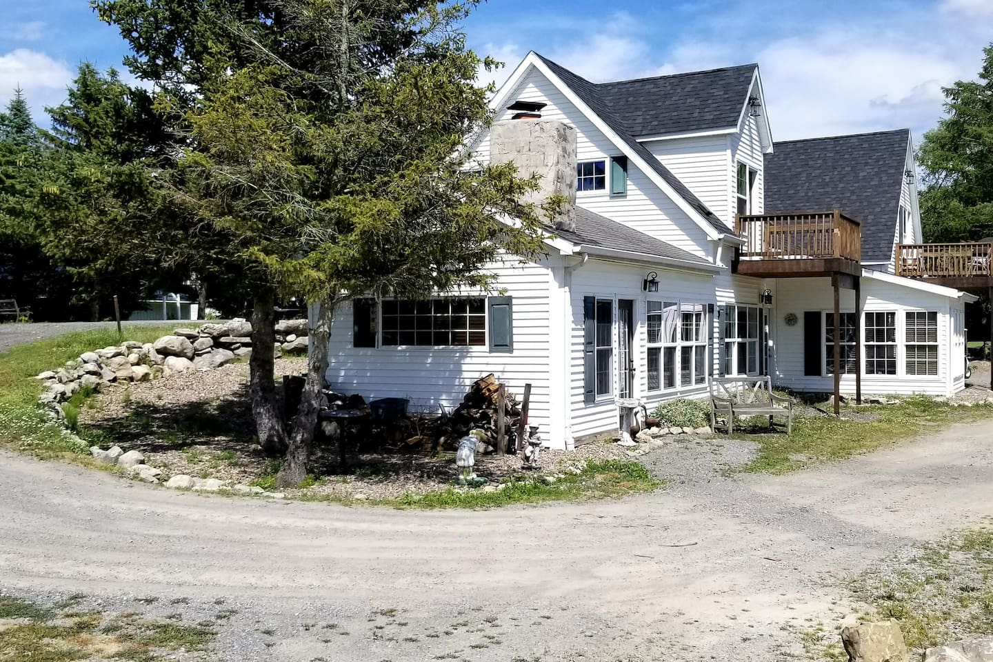 Remodeled home on golf course with beautiful scenery and Adirondack themed rooms!