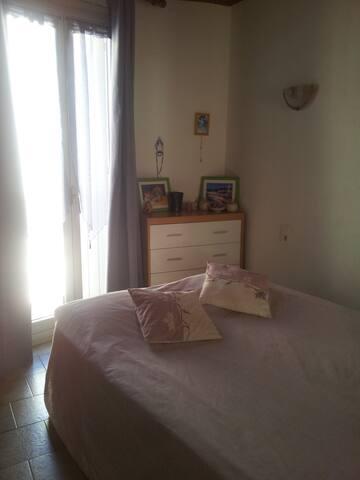 Chambre dans maison de village - Saint-André-de-Sangonis - Dom