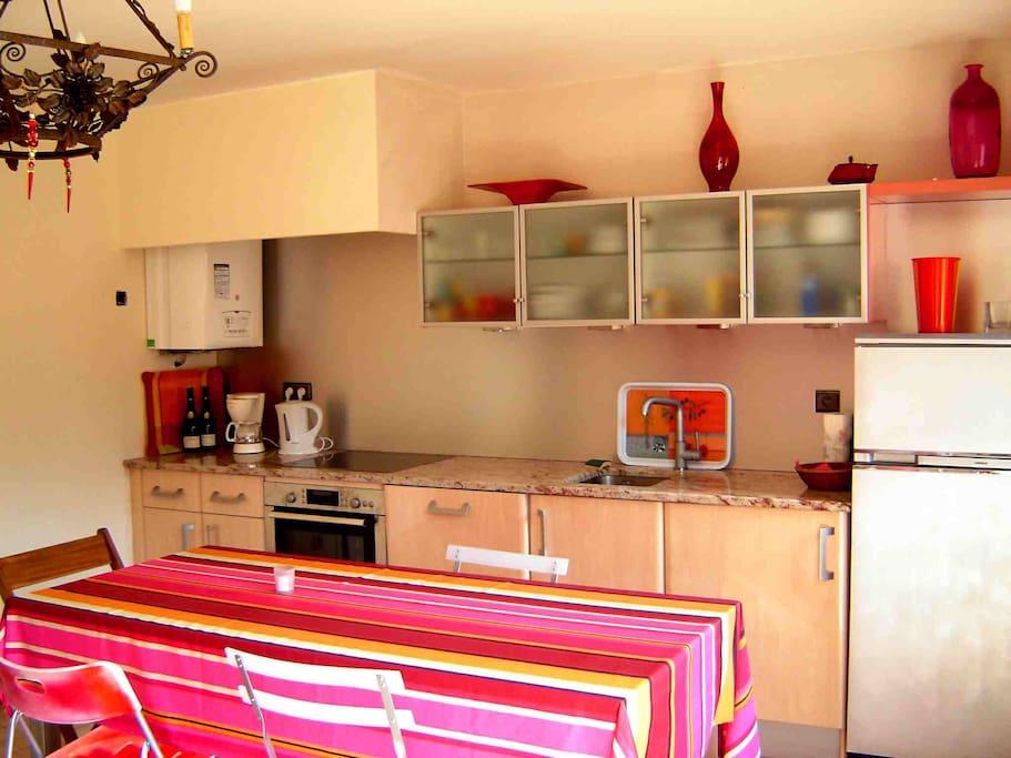 salle a vivre - cote cuisine