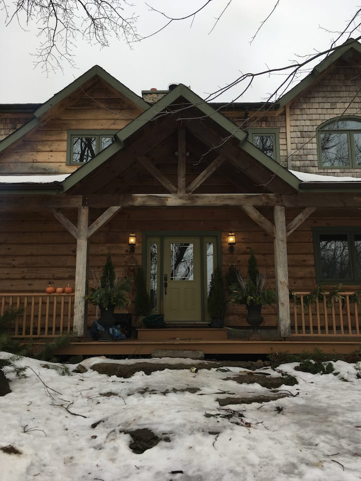 River Song Lodge