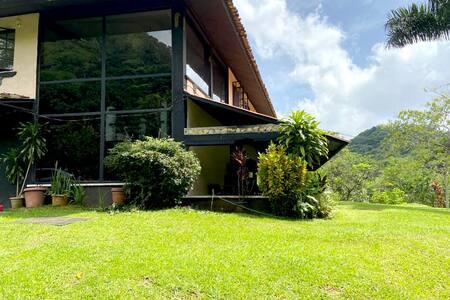 Las Cumbres Rainforest Villa