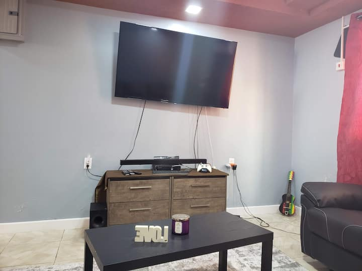 Ideal Modern 3 bedroom apartment