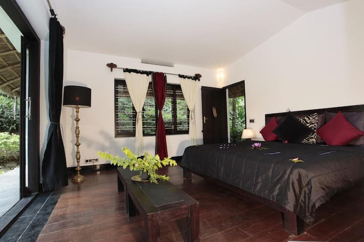 Private Cottage in Thekkady