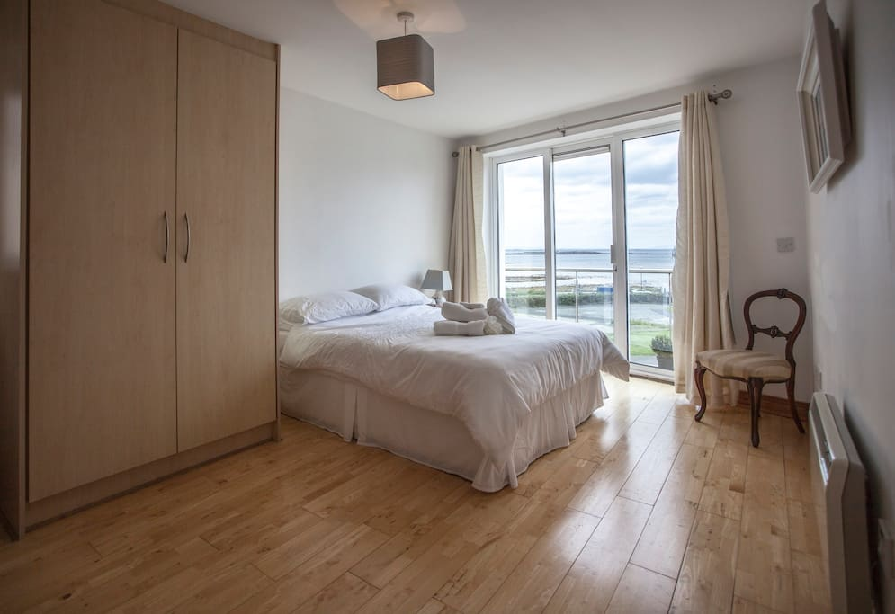 Main bedroom with ensuite and balcony