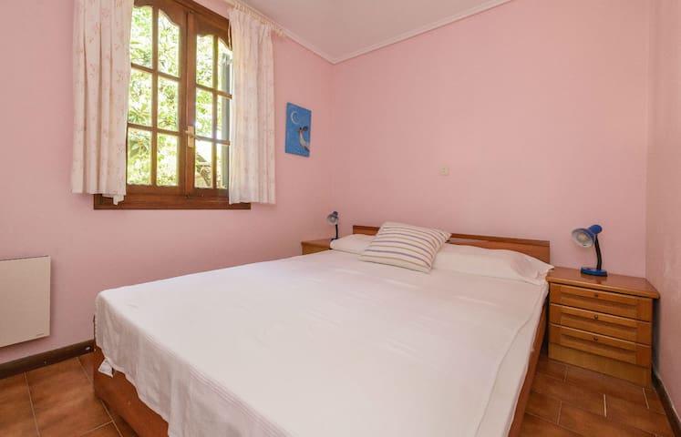 Bedroom, ground floor with double bed