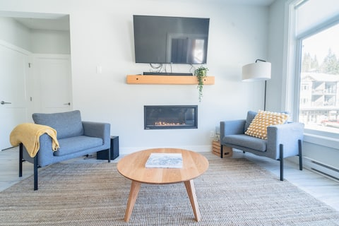 BRAND NEW: The Alpine Rooms, Ski-in/Out, 2Bd/2Bath