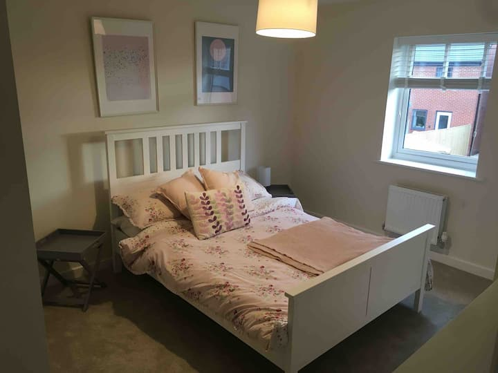 Light, airy room and private bathroom in new house