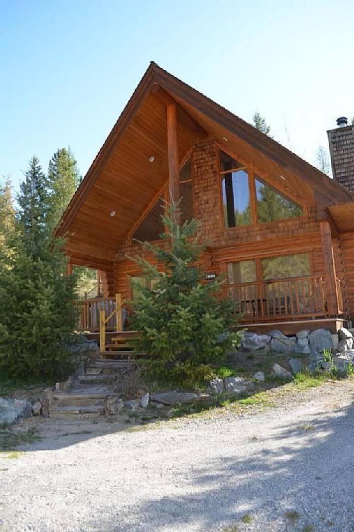 Beautiful Log Cabin|Sleeps 6|Mountains