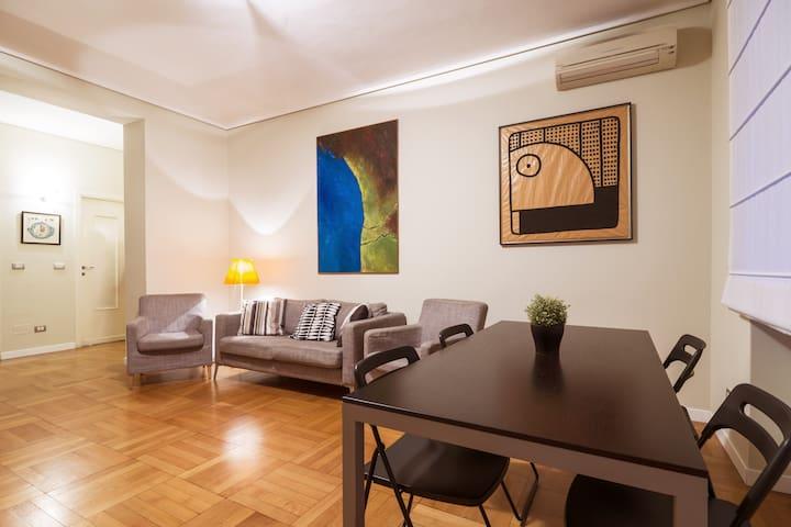 Wide flat in Milano Lambrate!