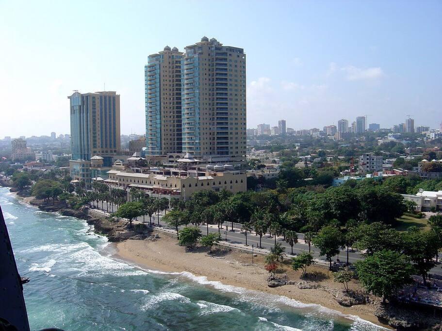 Apartamento en el malec n center flats for rent in santo for Piso 9 malecon center