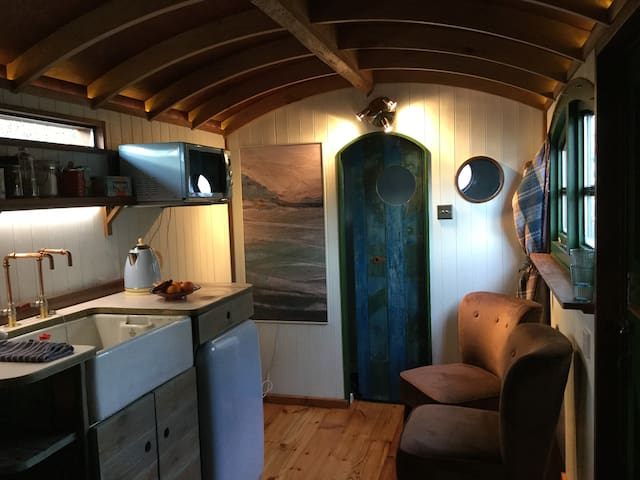 Shepherd's Hut with own private space