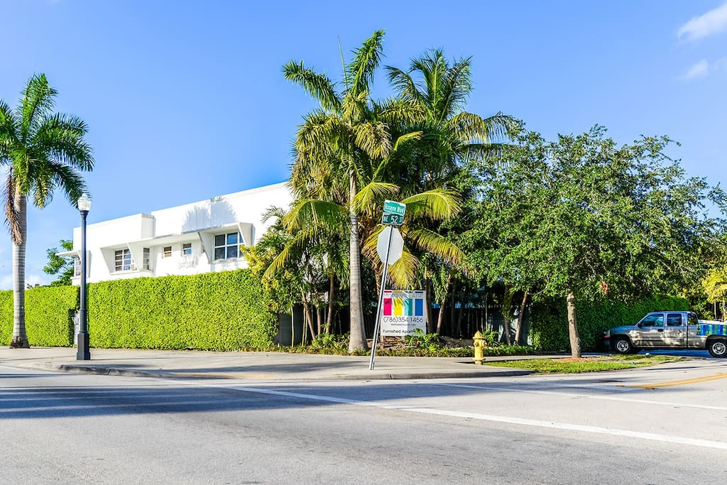 OUR TYPICAL MIAMI 50S STYLE BUILDING