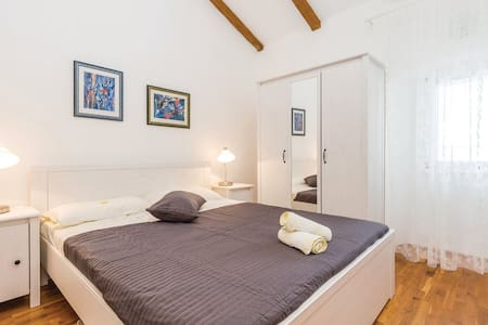 Apartment for two persons- first row to the sea