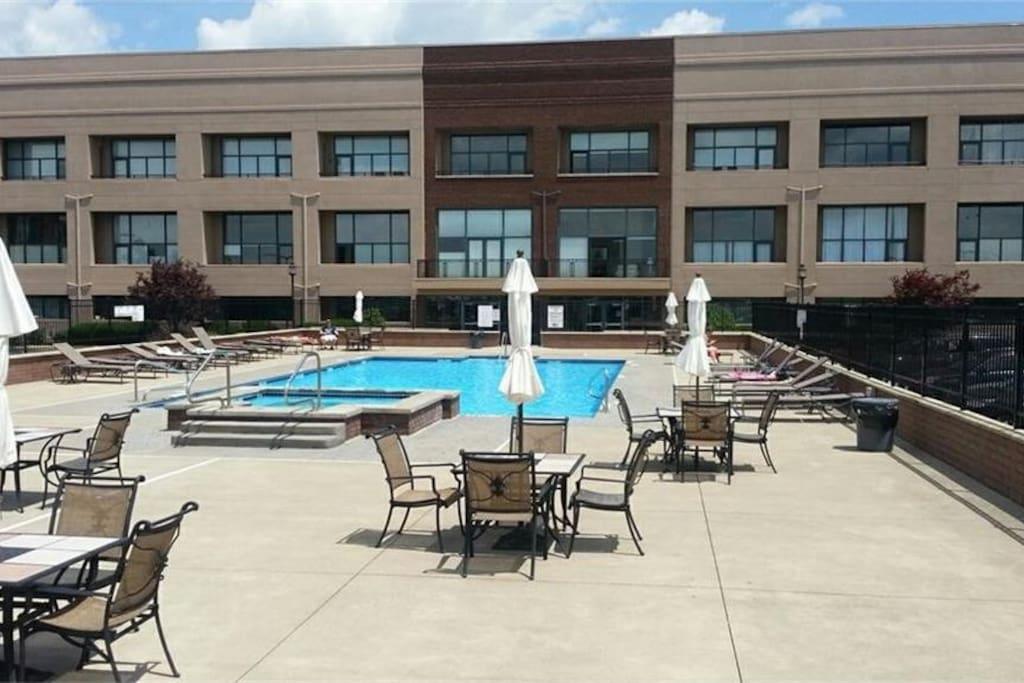 Pool area (seasonal)